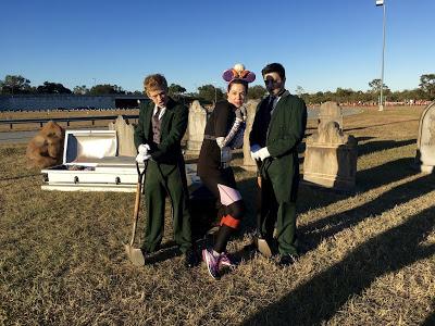 WDW Marathon Haunted Mansion gravediggers