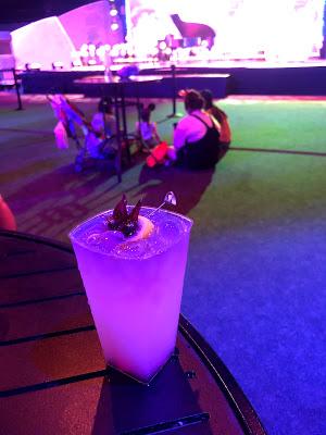 Hibiscus lemonade cocktail